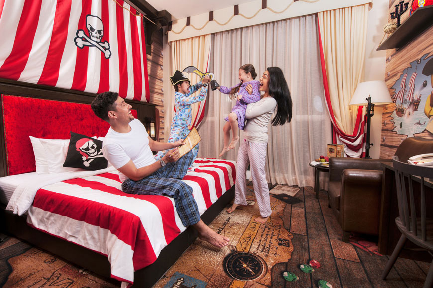 LEGOLAND-Hotel-Pirate-Room-20140416055843